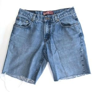 Levis 550 Cut Off Jean Shorts Relaxed Medium Wash